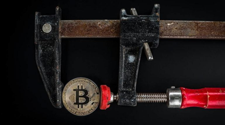 Institutional Demand for Grayscale's GBTC and 3iQ's QBTC Decreases Altcoin News