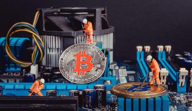 Bitcoin's Hash Rate Originating From China Falls Below 50% Bitcoin (BTC) News